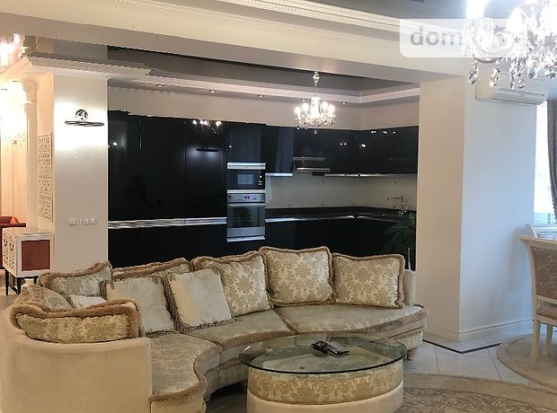 четырехкомнатная квартира с мебелью в Киеве, район Печерский, на Старонаводницькая 4в в аренду на долгий срок помесячно фото 1
