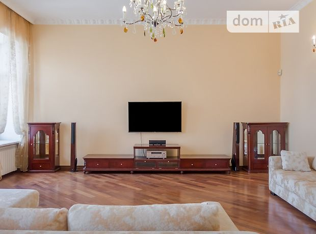трехкомнатная квартира с мебелью в Киеве, район Подольский, на ул. Хорива 4, в аренду на долгий срок помесячно фото 1