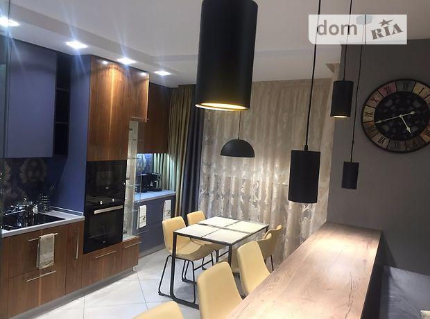 трехкомнатная квартира с мебелью в Киеве, район Соломенский, на ул. Сикорского 4д, в аренду на долгий срок помесячно фото 1