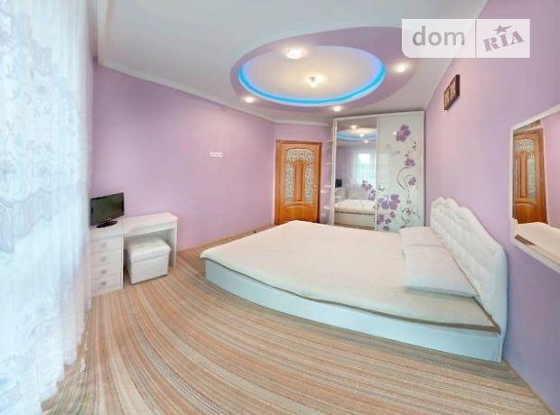трехкомнатная квартира с мебелью в Львове, район Франковский, на ул. Остроградских в аренду на долгий срок помесячно фото 1