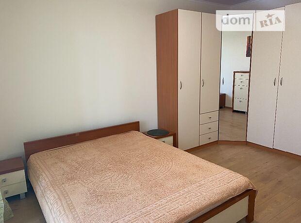 трехкомнатная квартира с мебелью в Львове, район Франковский, на Остроградских улица 5 в аренду на долгий срок помесячно фото 1