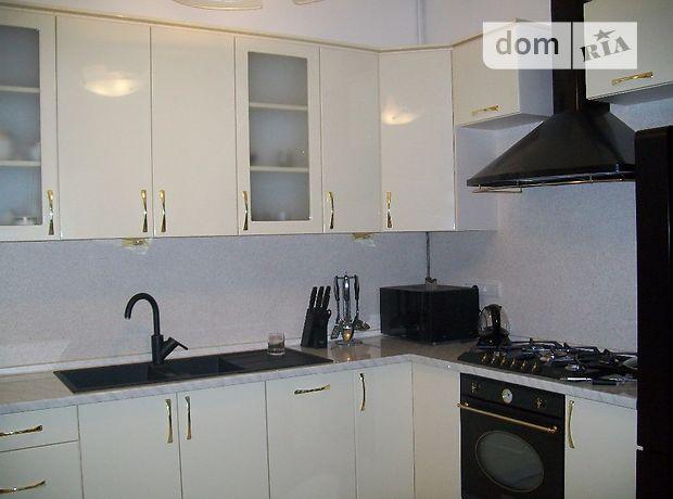четырехкомнатная квартира с мебелью в Львове, район Галицкий, на ул. Франко Ивана в аренду на долгий срок помесячно фото 1