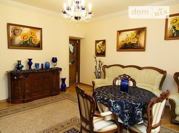 трехкомнатная квартира с мебелью в Львове, район Галицкий, на Дорошенко в аренду на долгий срок помесячно фото 1