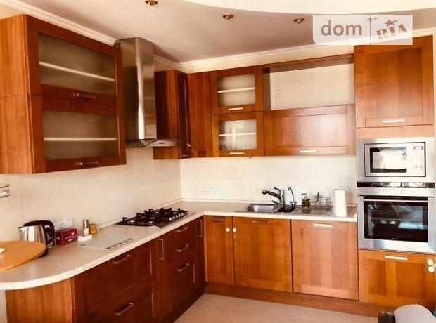 трехкомнатная квартира в Львове, район Лычаковский, на ул. Нежинская в аренду на долгий срок помесячно фото 1