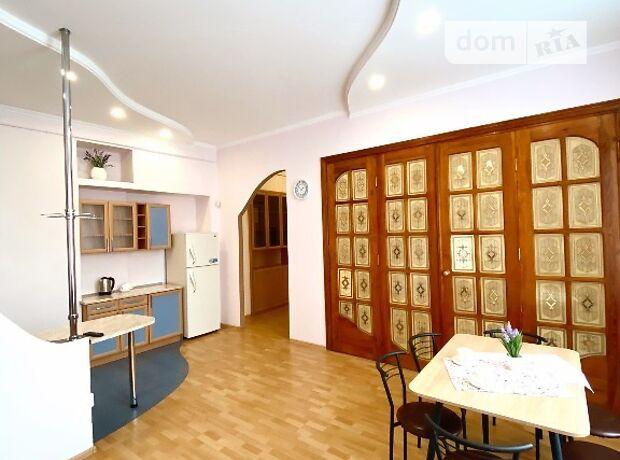 трехкомнатная квартира с мебелью в Львове, район Шевченковский, на ул. Франко Ивана в аренду на долгий срок помесячно фото 1