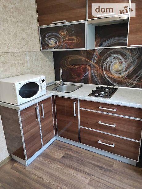 однокімнатна квартира з меблями в Маріуполі, район Центральний, на Металлургов проспект 23 в довготривалу оренду помісячно фото 1