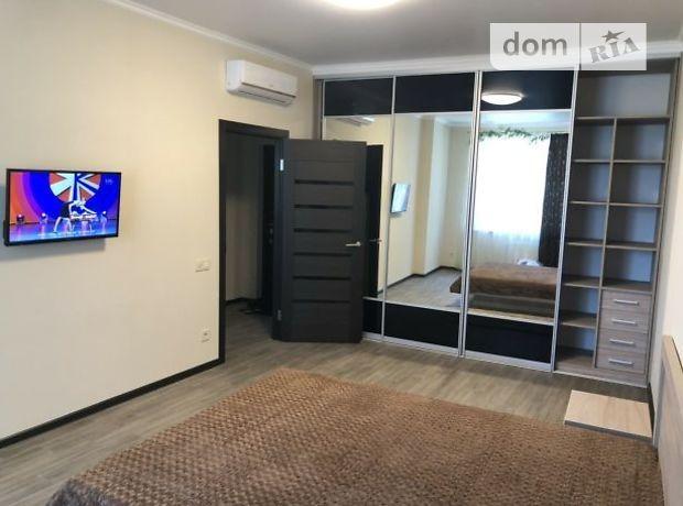 однокомнатная квартира с мебелью в Одессе, район Аркадия, на ул. Каманина 16а/3, в аренду на долгий срок помесячно фото 1