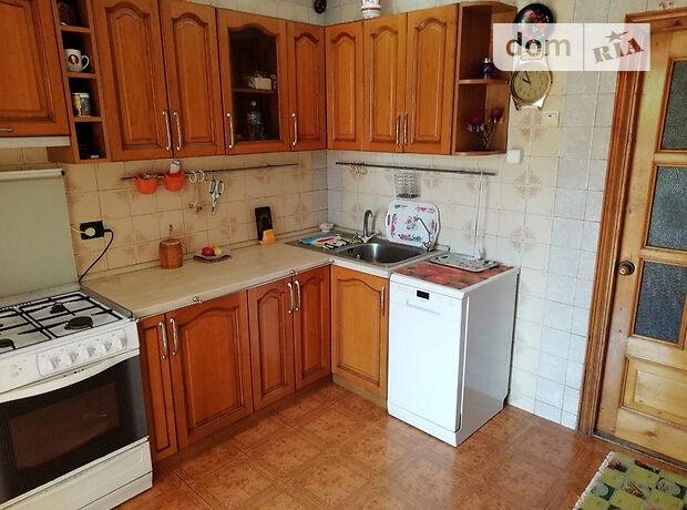 трехкомнатная квартира с мебелью в Одессе, район Ближние Мельницы, на ул. Бреуса 26, в аренду на долгий срок помесячно фото 1