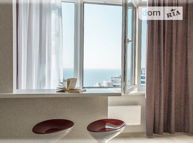 двухкомнатная квартира с мебелью в Одессе, район Большой Фонтан, на ул. Каманина 16а/3, в аренду на долгий срок помесячно фото 1