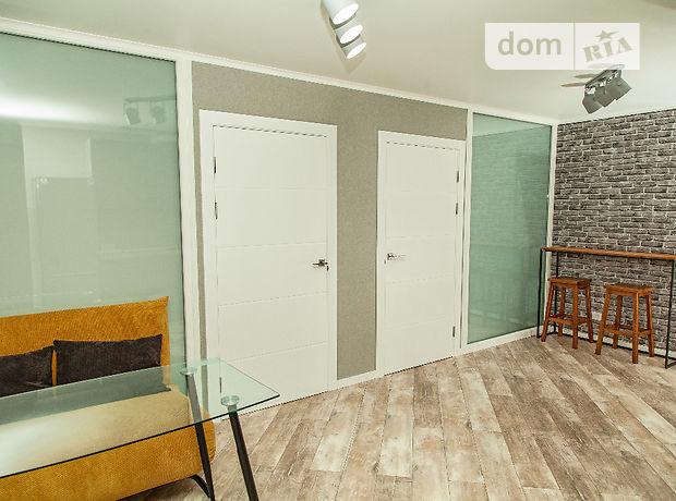 двухкомнатная квартира с мебелью в Одессе, район Приморский, на ул. Литературная в аренду на долгий срок помесячно фото 1