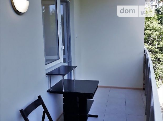 однокомнатная квартира с мебелью в Одессе, район Приморский, на пер. Тополевый 1а, в аренду на долгий срок помесячно фото 1