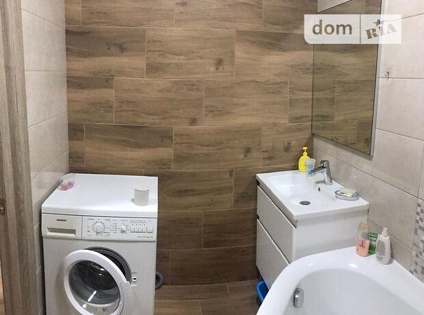 трикімнатна квартира з меблями в Полтаві, район Центр, на вул. Червоноармійська в довготривалу оренду помісячно фото 1