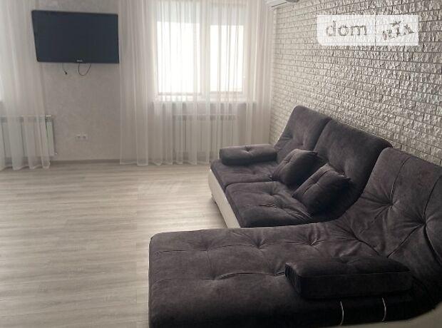 двокімнатна квартира з меблями в Полтаві, район Центр, на пл. Павленківська 3-а в довготривалу оренду помісячно фото 1