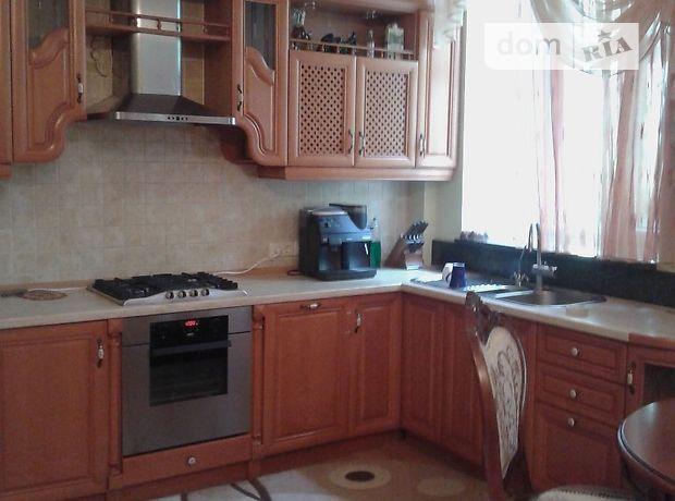 трехкомнатная квартира с мебелью в Ровно, на ул. Дубенская в аренду на долгий срок помесячно фото 1