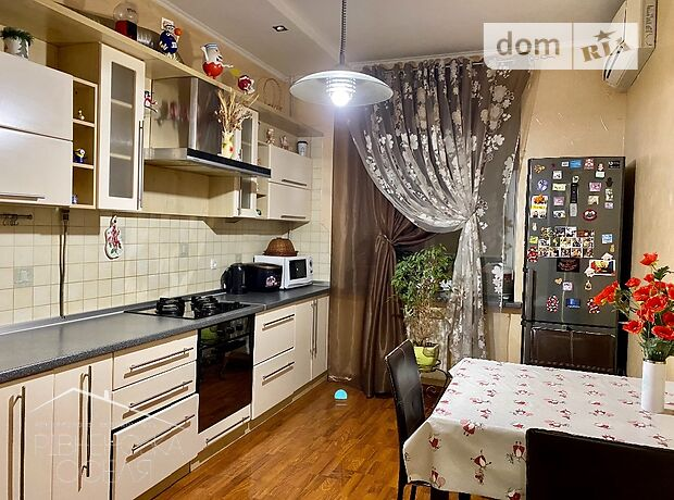 двухкомнатная квартира с мебелью в Ровно, район Центр, на ул. Тихая 7 в аренду на долгий срок помесячно фото 1