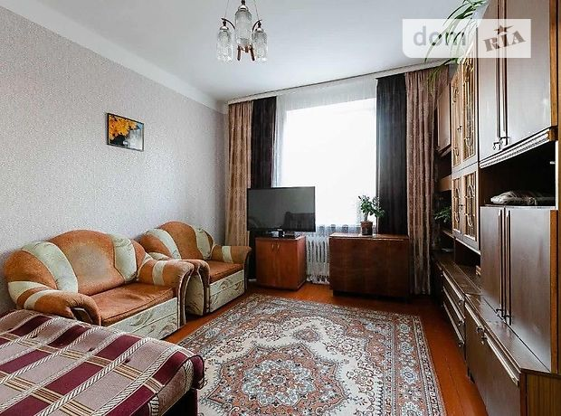 трехкомнатная квартира с мебелью в Тернополе, район Бам, на ул. Киевская в аренду на долгий срок помесячно фото 1