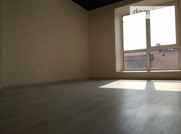 трехкомнатная квартира без мебели в Тернополе, район Кемпинг, в аренду на долгий срок помесячно фото 1