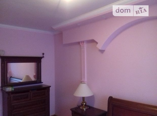 однокомнатная квартира с мебелью в Тернополе, район Схидный, на ул. Коновальца Евгения в аренду на долгий срок помесячно фото 1
