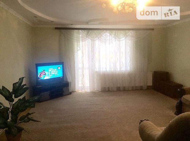 трехкомнатная квартира с мебелью в Тернополе, район Центр, на ул. Глиняная 17, в аренду на долгий срок помесячно фото 1