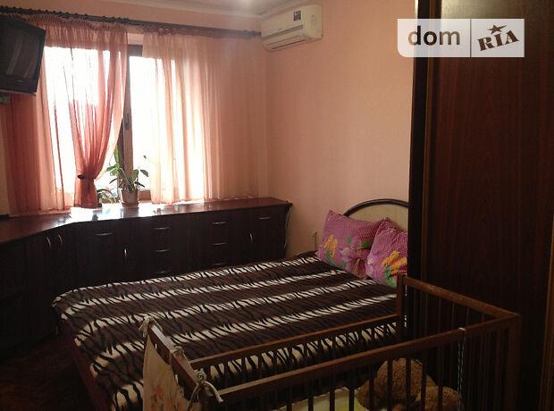 трехкомнатная квартира с мебелью в Ужгороде, район Новый, на ул. Грушевского в аренду на долгий срок помесячно фото 1