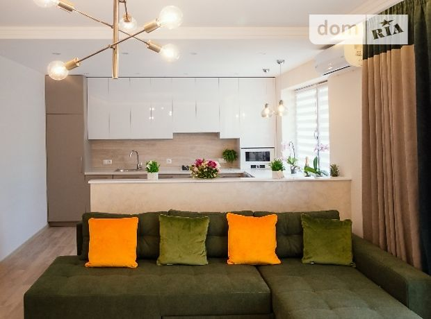 двухкомнатная квартира с мебелью в Ужгороде, район Центр, на Словянская набережная 1, в аренду на долгий срок помесячно фото 1