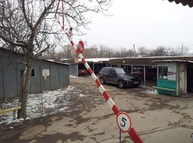 Место на стоянке под легковое авто в Одессе, площадь 15 кв.м. фото 1