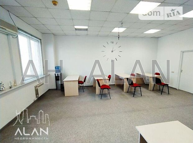 Аренда офисного помещения в Киеве, Московская ул. 23, помещений - 3, этаж - 3 фото 1