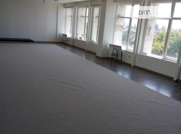 Аренда офисного помещения в Ужгороде, Петефи Шандора площадь 47, помещений - 4, этаж - 4 фото 1