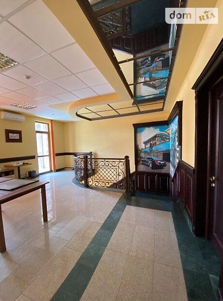 Аренда офисного помещения в Ужгороде, Жупанатская площадь, помещений - 1, этаж - 1 фото 1