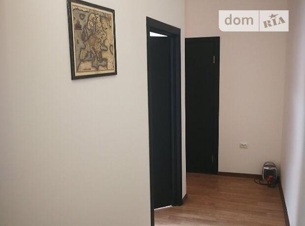 Аренда офисного помещения в Ужгороде, Волошина улица, помещений - 3, этаж - 2 фото 1