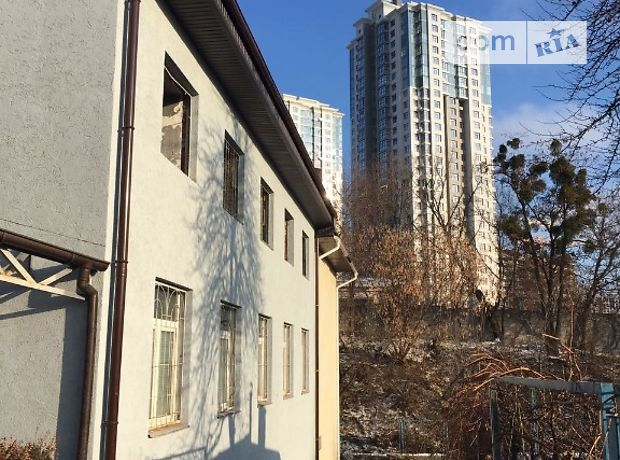 Аренда офисного здания в Киеве, Товарная улица, помещений - 10, этажей - 3 фото 1