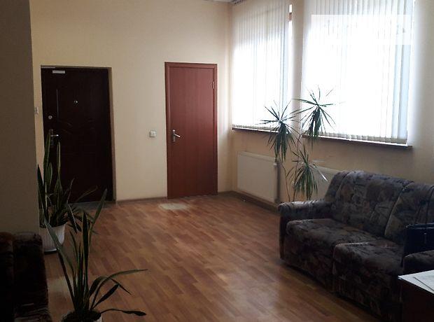 Аренда офисного здания в Ужгороде, Боженко улица, помещений - 7, этажей - 3 фото 1