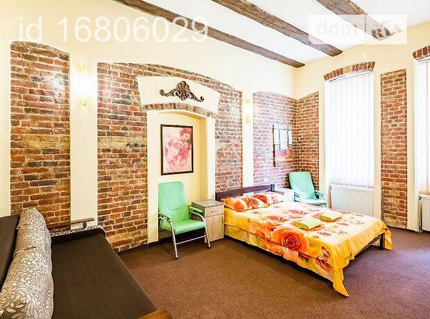 трехкомнатная квартира в Львове, район Галицкий, на ул. Лысенко 4, в аренду на короткий срок посуточно фото 1