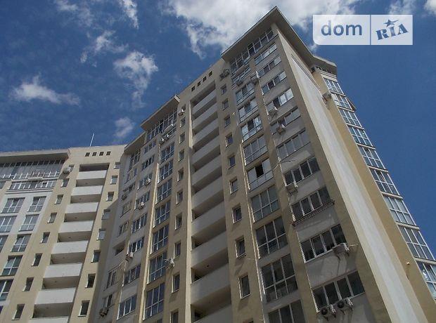 Офісне приміщення на 64.3 кв.м. в нежиловому приміщені в житловому будинку в Києві фото 1