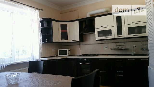 Продажа дома, 350м², Черновцы, р‑н.Роша