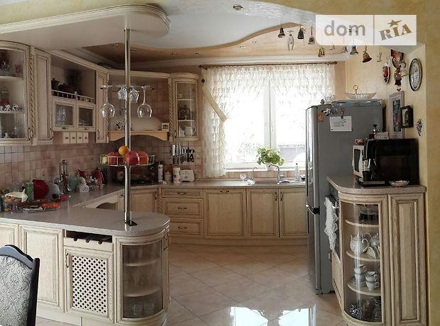 двухэтажный дом с садом, 230 кв. м, кирпич. Продажа в Черновцах фото 1