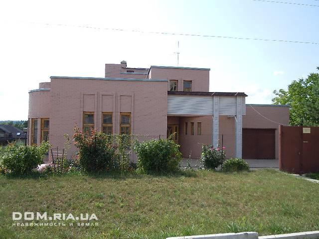 двухэтажный дом с камином, 418 кв. м, кирпич. Продажа в Родичах (Харьковская обл.) фото 1