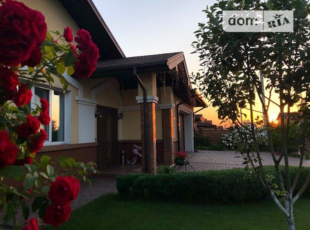 трехэтажный дом, 350 кв. м, кирпич. Продажа в Крюковщине (Киевская обл.) фото 1