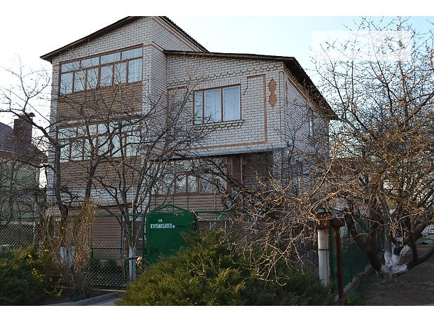 трехэтажный дом с садом, 229 кв. м, кирпич силикатный. Продажа в Кропивницком фото 1