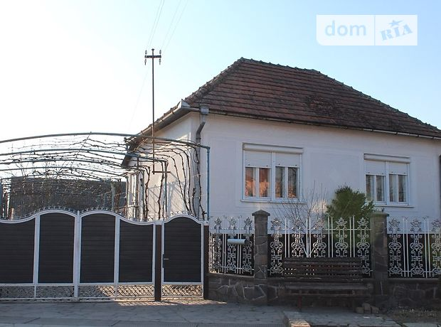 Продажа дома, 100м², Закарпатская, Мукачево, c.Червенево, Миру