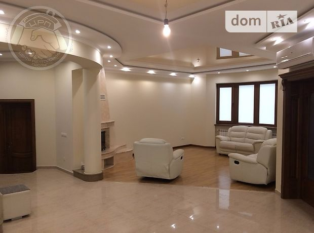 Продажа дома, 240м², Закарпатская, Мукачево