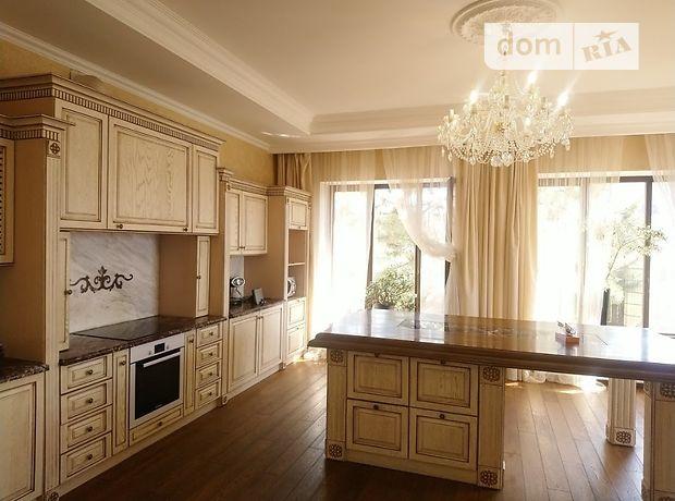 двухэтажный дом с камином, 270 кв. м, кирпич. Продажа в Совиньоне (Одесская обл.) фото 1
