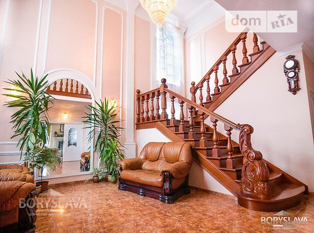 двухэтажный дом с камином, 350 кв. м, кирпич. Продажа в Ровно район Царское фото 1
