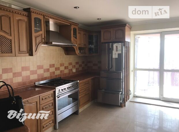 двухэтажный дом с ремонтом, 330 кв. м, кирпич. Продажа в Тернополе район Восточный фото 1