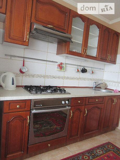 Продажа трехкомнатной квартиры в Черкассах, на ул. Луначарского, кв. 32, район Луначарский фото 1