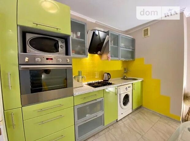 Продажа трехкомнатной квартиры в Черкассах, на ул. Гагарина район Мытница фото 1