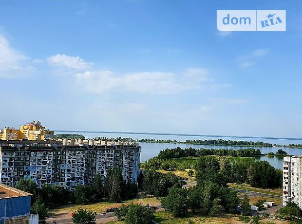 Продажа трехкомнатной квартиры в Черкассах, на ул. Гагарина район Мытница-центр фото 1