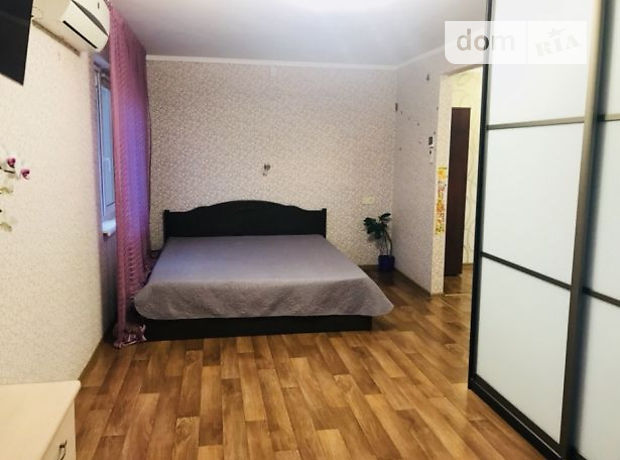 Продаж квартири, 1 кім., Черкаси, р‑н.Шкільна, Енгельса вулиця