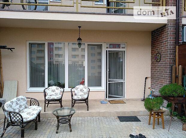 Продажа пятикомнатной квартиры в Черкассах, на ул. Батицкого Маршала район Сосновский фото 1