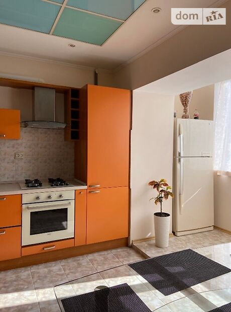 Продажа трехкомнатной квартиры в Черкассах, на бул. Шевченко 250 район Центр фото 1